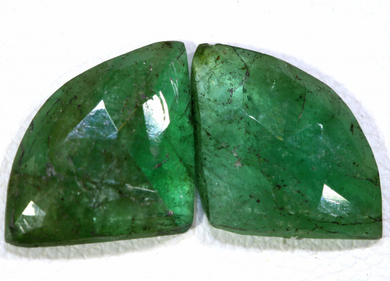 4.05 cts  EMERALD PAIR   BG-171