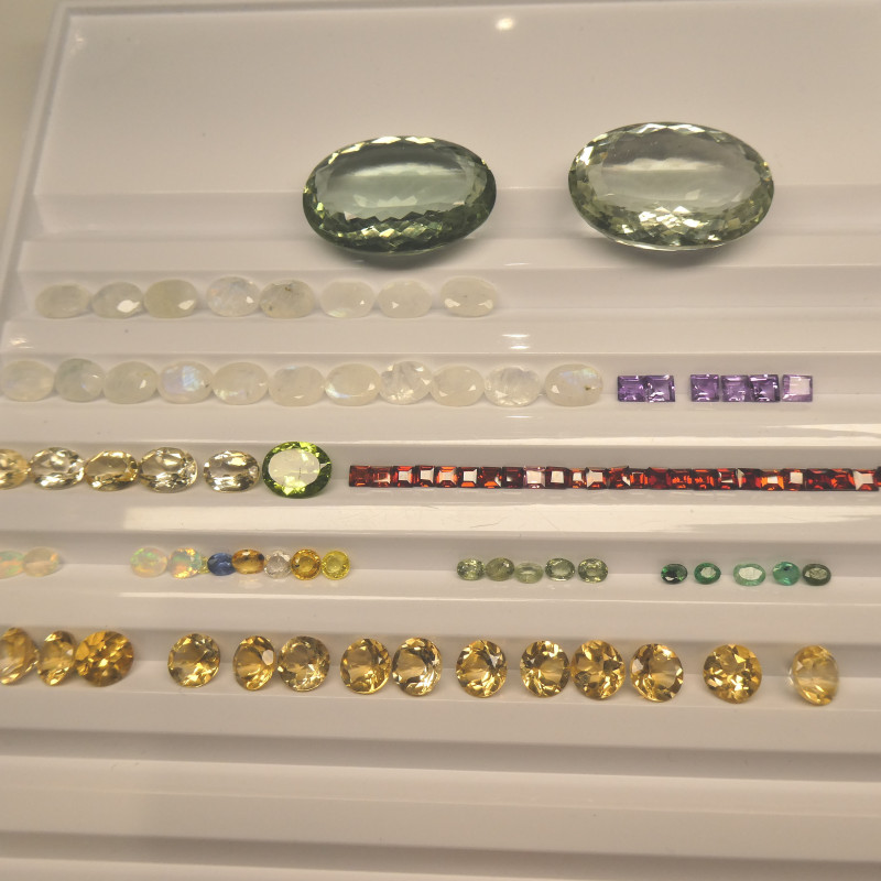 500cts+ Mixed Gem Beginner Lot: Ruby, Sapphire, Peridot, Amethyst, Emerald