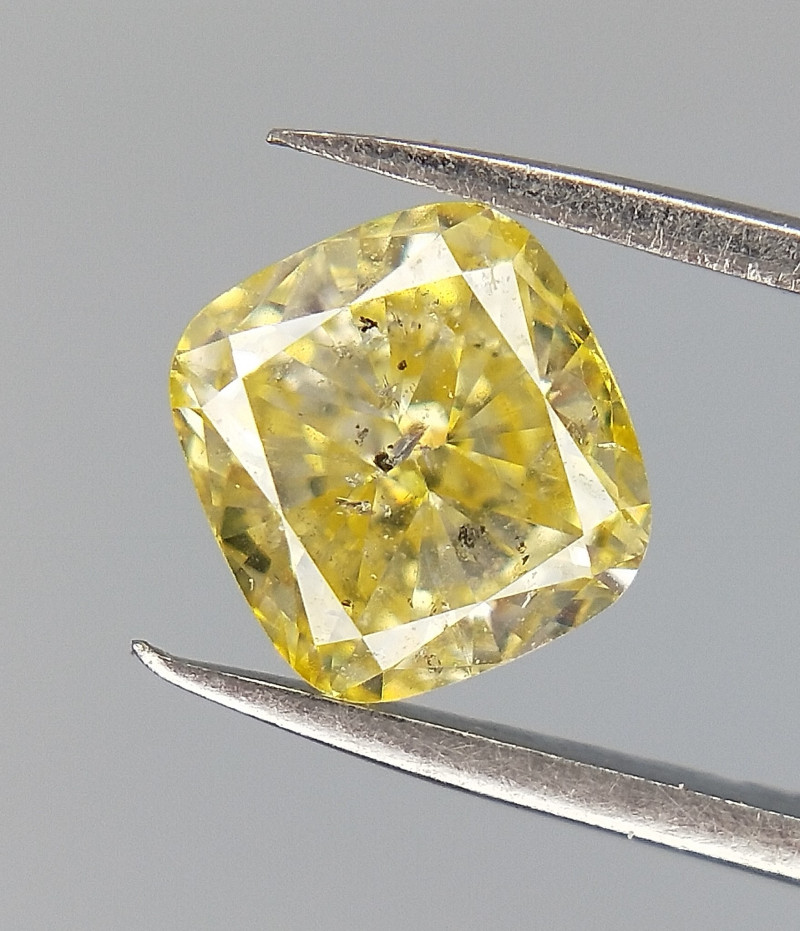 Cushion cut diamond , Yellow color diamond , 0.47 cts