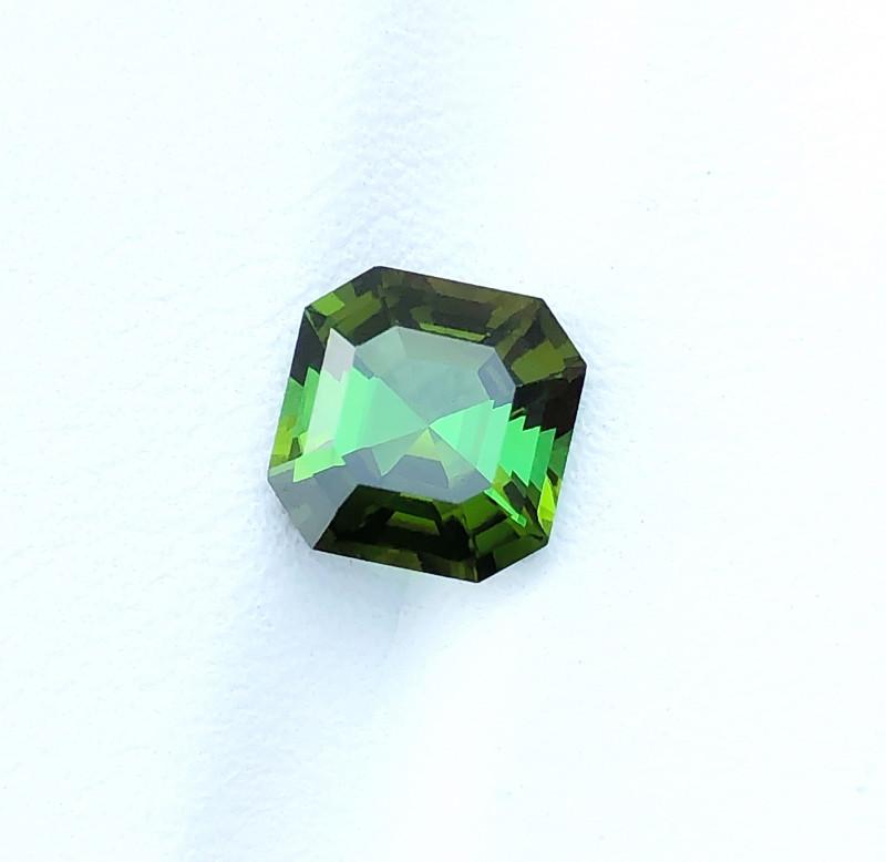 2.65 Ct Natural Green Transparent Tourmaline Gemstone
