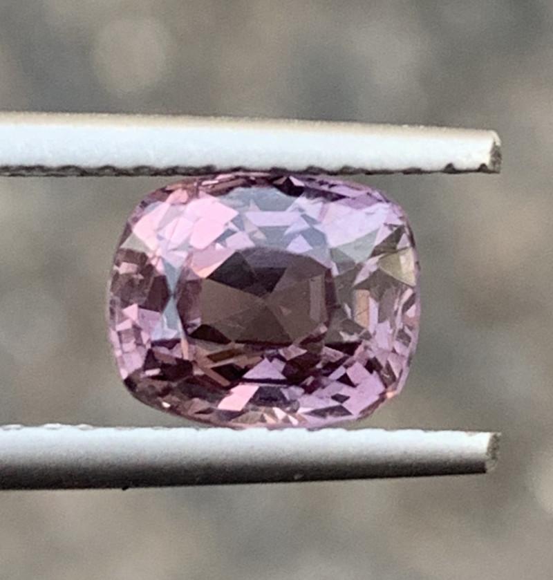 1.57 Carats Spinel Gemstones