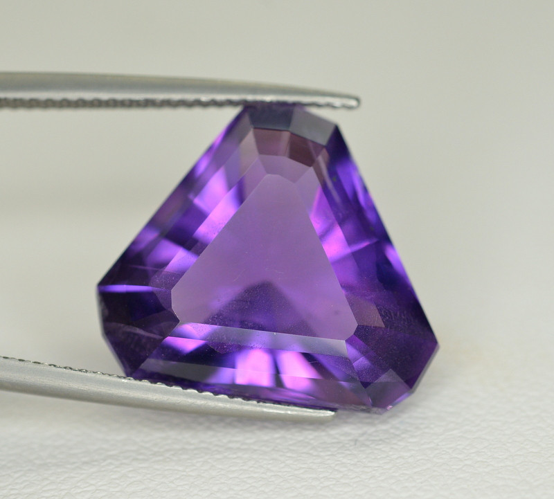 13.05  Ct Amazing Color Natural Amethyst ~ Uruguay