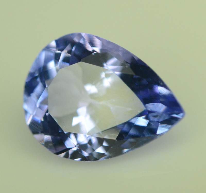 AA Grade 2.20 ct Tanzanite eye catching Color