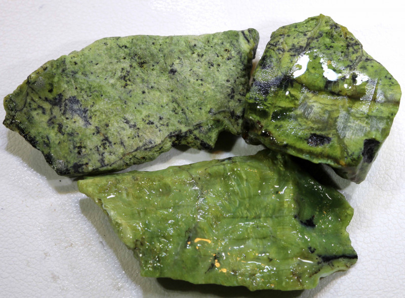 69 CTS GREEN SERAPHINITE  PARCEL ADG-272