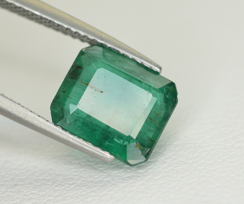 3.25 Ct Brilliant Color Natural Zambian Emerald