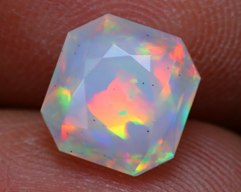 2.25Ct Master Cutting Natural Ethiopian Faceted Welo Opal AN101