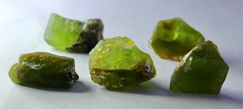 76.70 CTs CT Natural & Unheated Green Peridot Rough lot