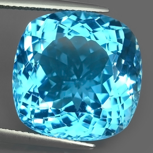 28.80 CTS BRILLIANT SWISS BLUE NATURAL TOPAZ CUSHION