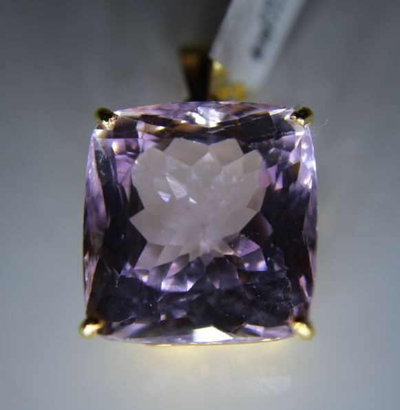 Pink Kunzite 40.10ct Solid 18K Yellow Gold Pendant
