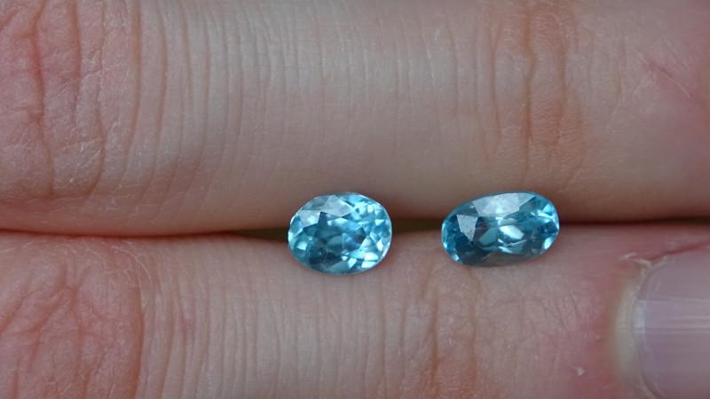 2.5ct pair VVS SkyBlue Zircon - Heat -