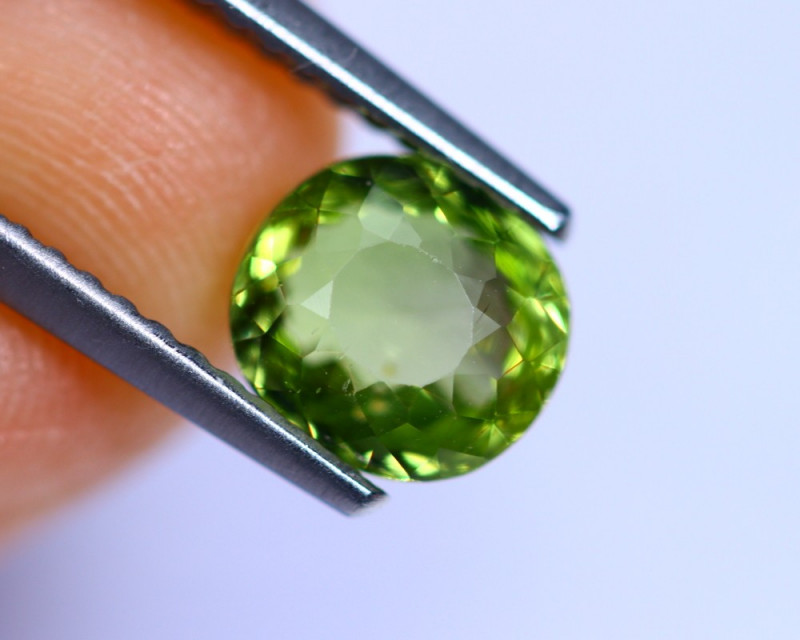1.47cts Natural Green Colour Tourmaline / RD748