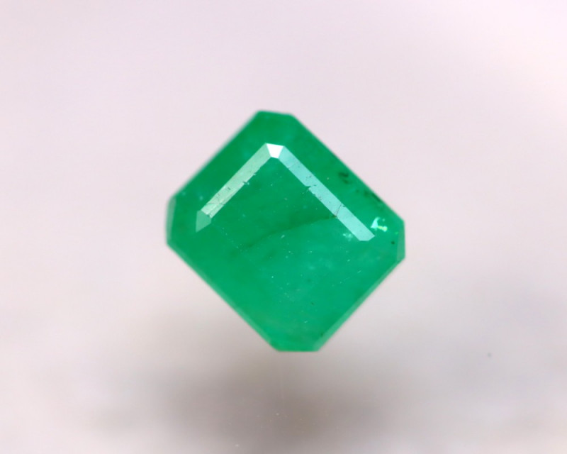 Emerald 1.84Ct Natural Colombia Green Emerald D1611