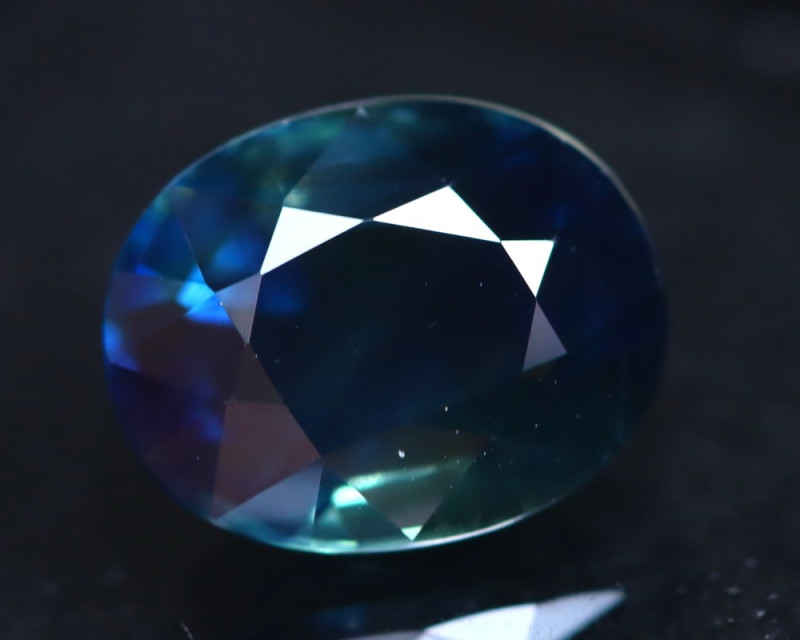 Certified Sapphire 3.03Ct Natural Blue Sapphire DR100/B24