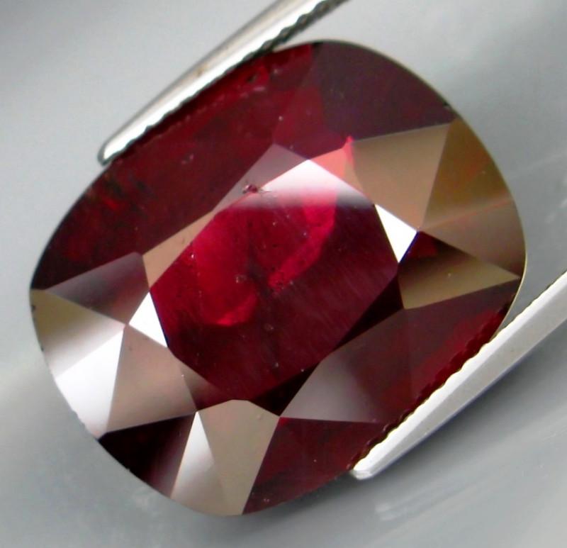 19.55 Ct. Natural Top Red Rhodolite Garnet Africa