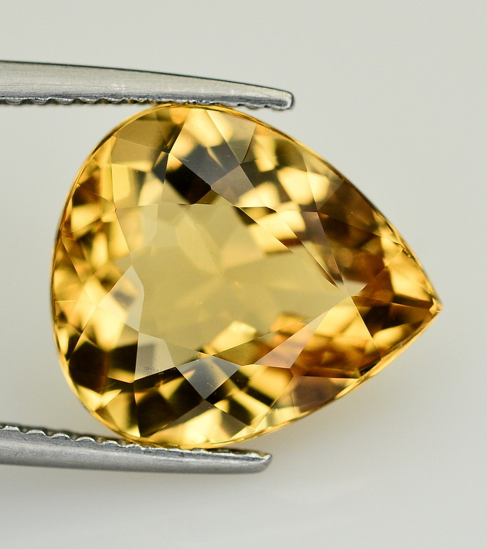 5.55  Ct Natural Heliodor ~ AAA Grade ~ Yellow Color