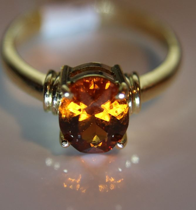 Spessartine 2.06ct Solid 18K Yellow Gold Solitaire Ring      Size 6.25