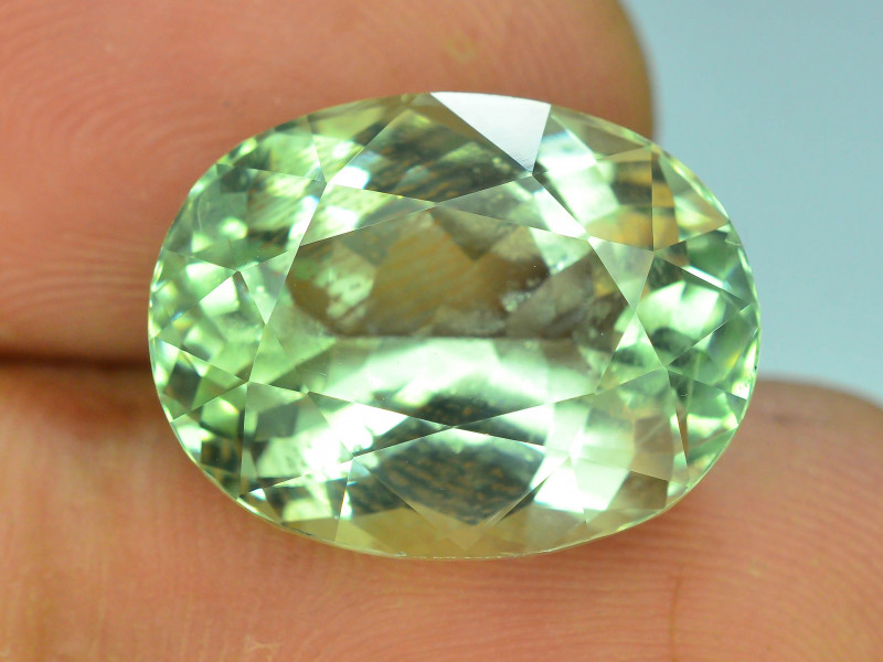 Top Grade & Cut 14.95 ct Green Spodumene