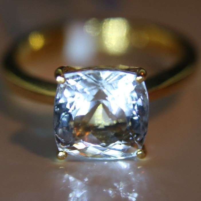 Aquamarine 3.91ct Solid 22K Yellow Gold Solitaire Ring    Size 6.75