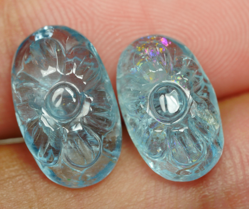 8.160CRT BAEUTIFULL AQUAMARINE LEAF CARVING -