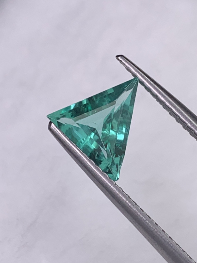 Colombian Natural Emerald Rare Quality Fancy Custom Cut Vivid Green 0.82Cts