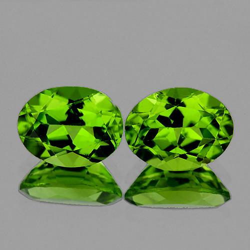 8x6 mm Oval 2 pcs 3.31cts Green Peridot [VVS]