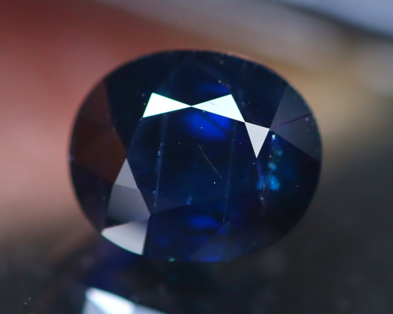 Certified Sapphire 2.64Ct Natural Unheated Blue Sapphire DR111