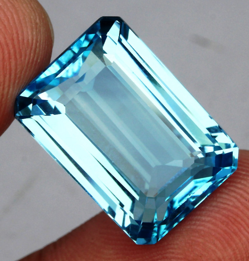 28.59 ct. 100% Natural Swiss Blue Topaz Top Quality Gemstone Brazil