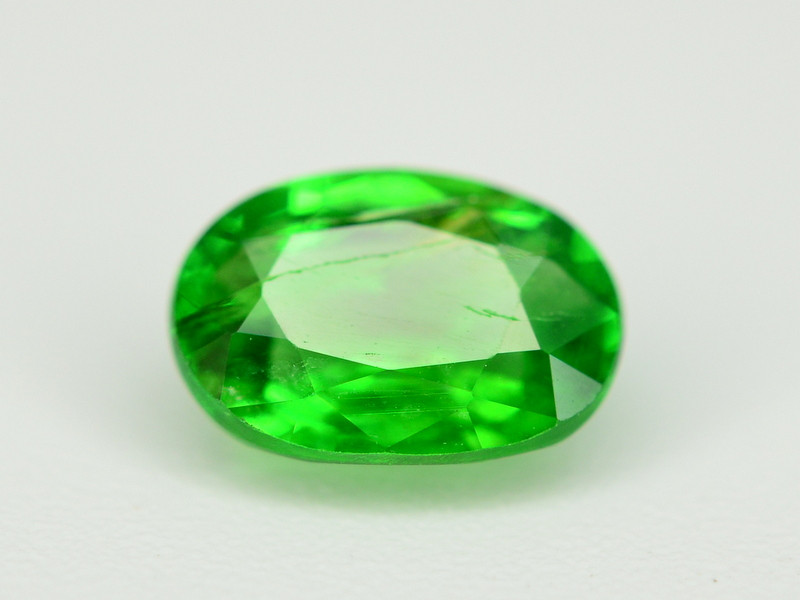Amazing 1  Ct Natural Intense Vivid Green Color Tsavorite Garnet