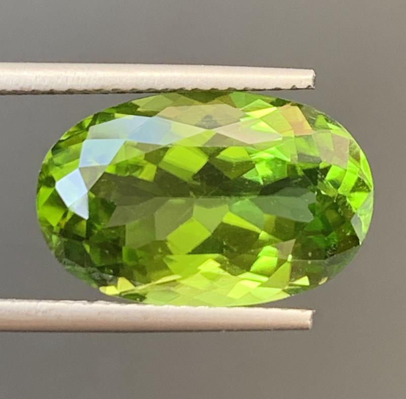 8.80 Carats  Peridot Gemstones