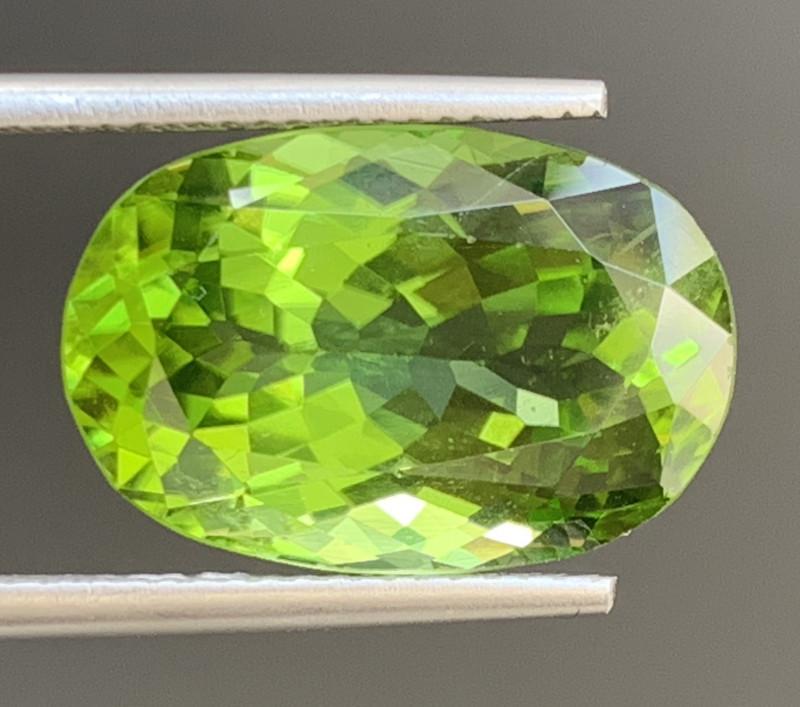 11.09 Carats  Peridot Gemstones