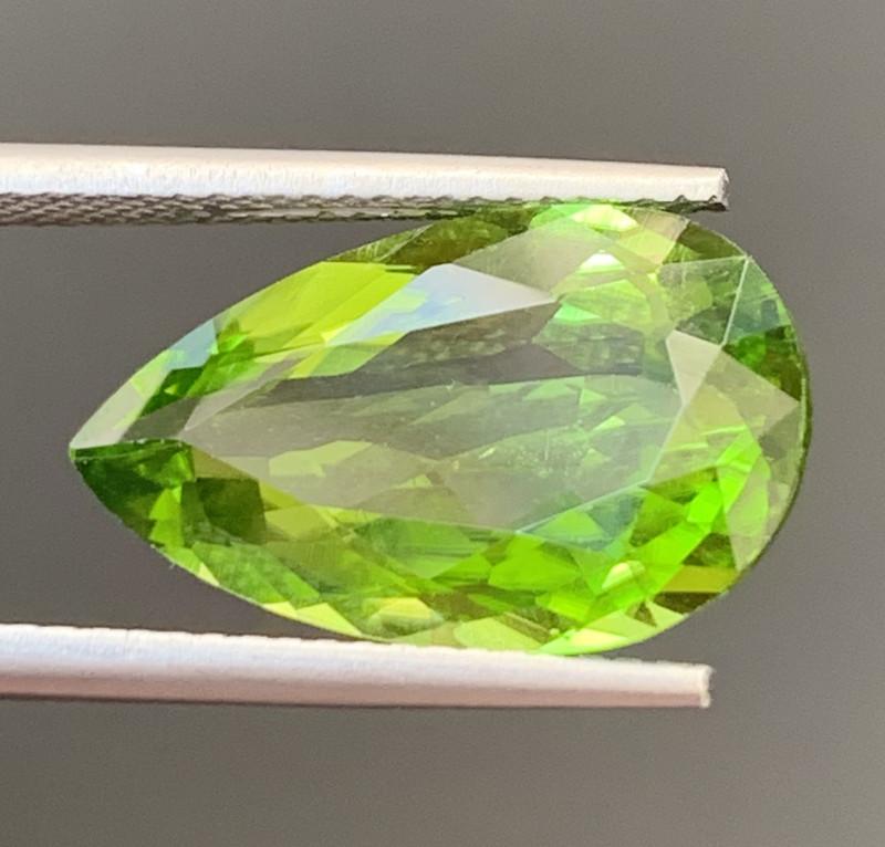 7.45 Carats  Peridot Gemstones
