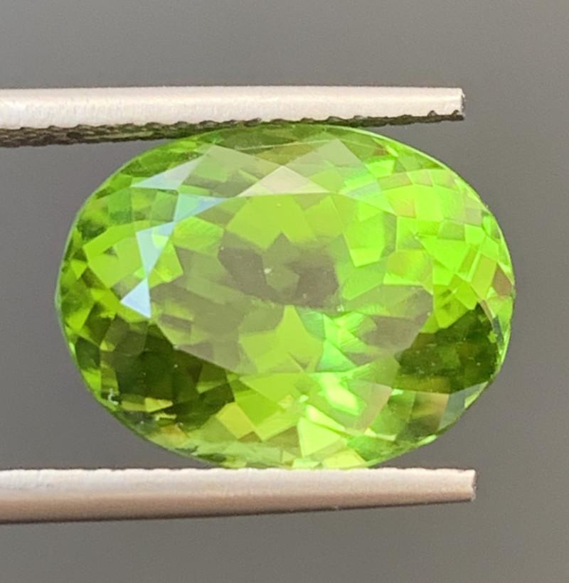 8.40 Carats  Peridot Gemstones