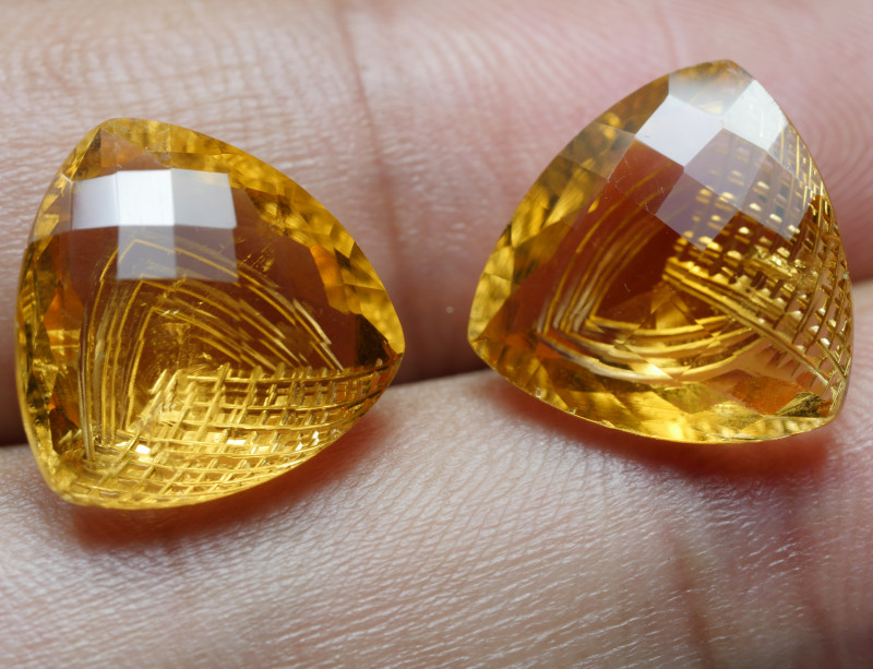 6.60CRT BEAUTY PAIR CARVING YELLOW CITRINE -