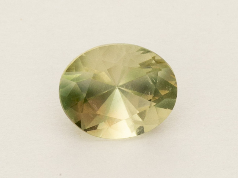 2ct Champagne Oval Oregon Sunstone (S2565)