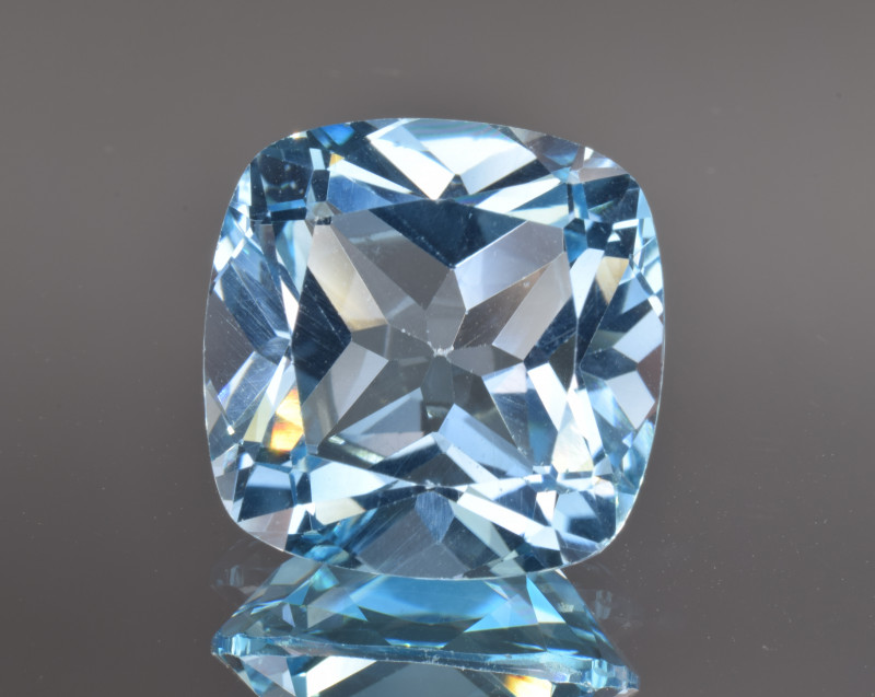 Natural Blue Topaz 13.25 Cts Top Clean Gemstone