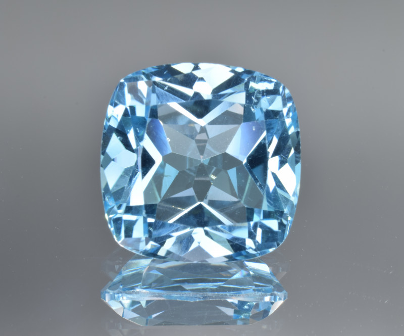 Natural Blue Topaz 13.87 Cts Top Clean Gemstone