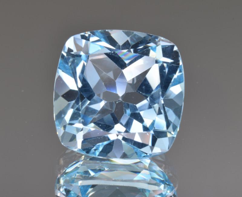 Natural Blue Topaz 14.13 Cts Top Clean Gemstone