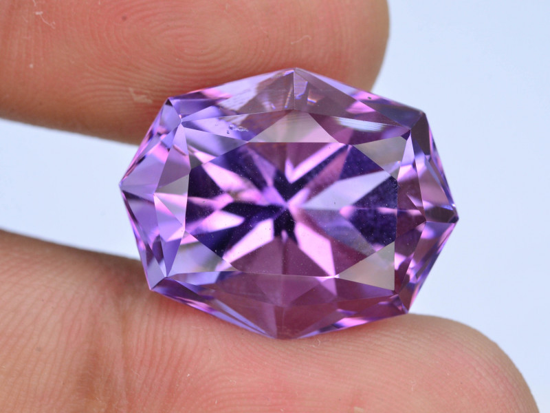 AAA Cut & Color  21.90 ct  Untreated Amethyst
