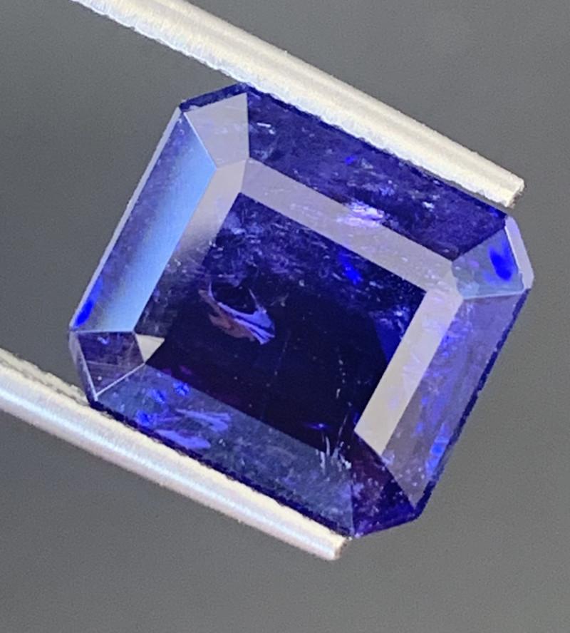 AAA Color 8.15 Carats Tanzanite Gemstone