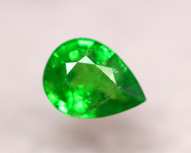 Tsavorite 1.10Ct Natural Intense Vivid Green Color Tsavorite Garnet D0701