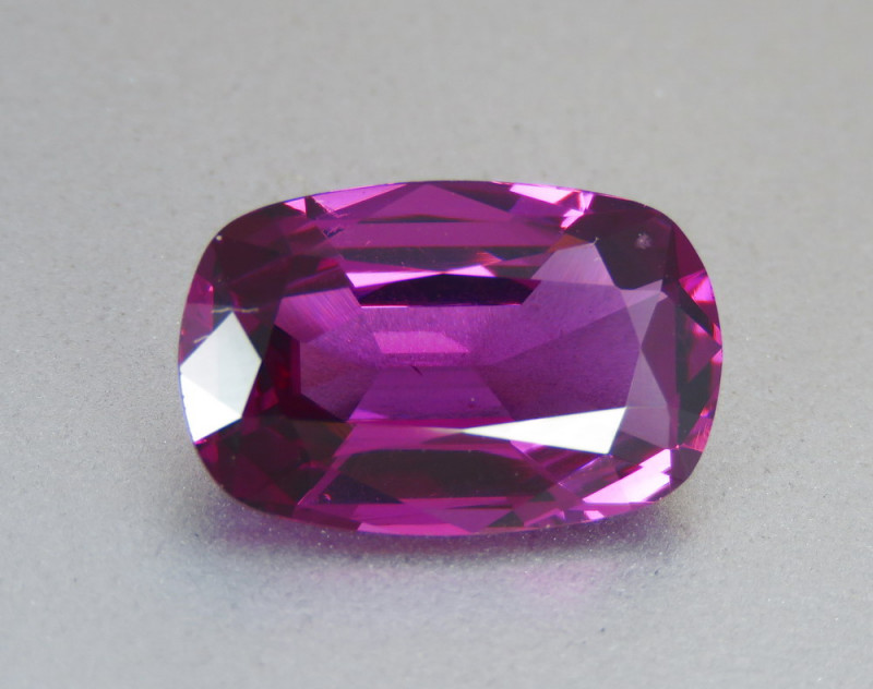 6.05ct Flawless Natural Beautiful Rhodolite Garnet From Africa