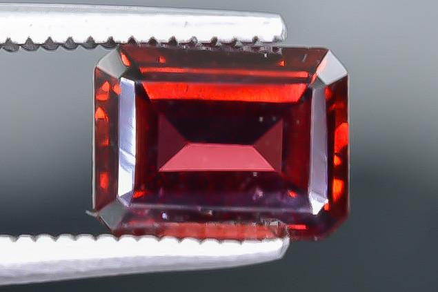 2.17 Crt Natural Rhodolite Garnet Faceted Gemstone.( AB 44)