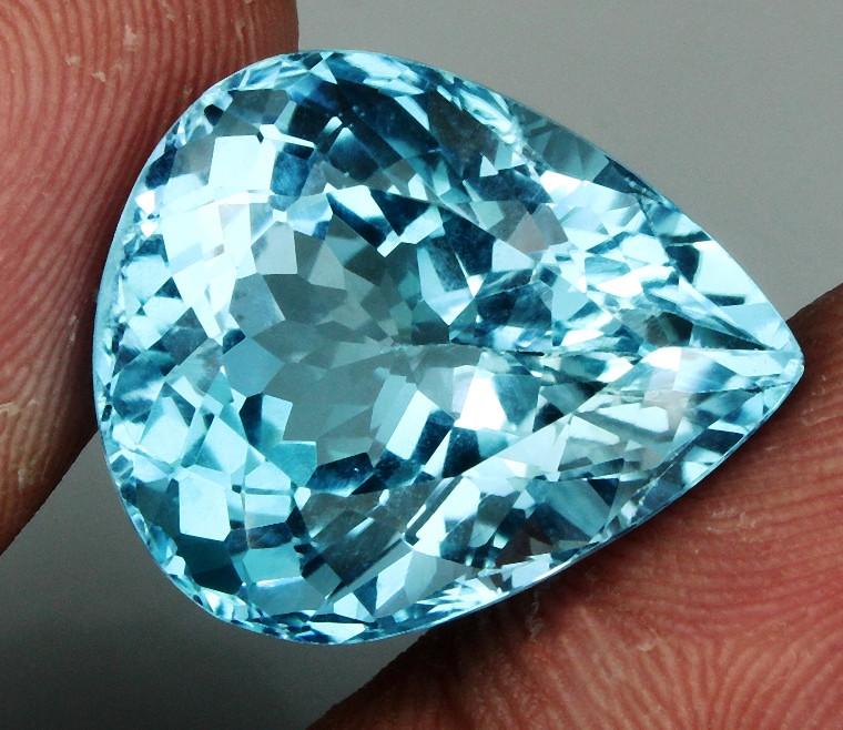 19.34 ct. Natural Swiss Blue Topaz Top Quality Gemstone Brazil