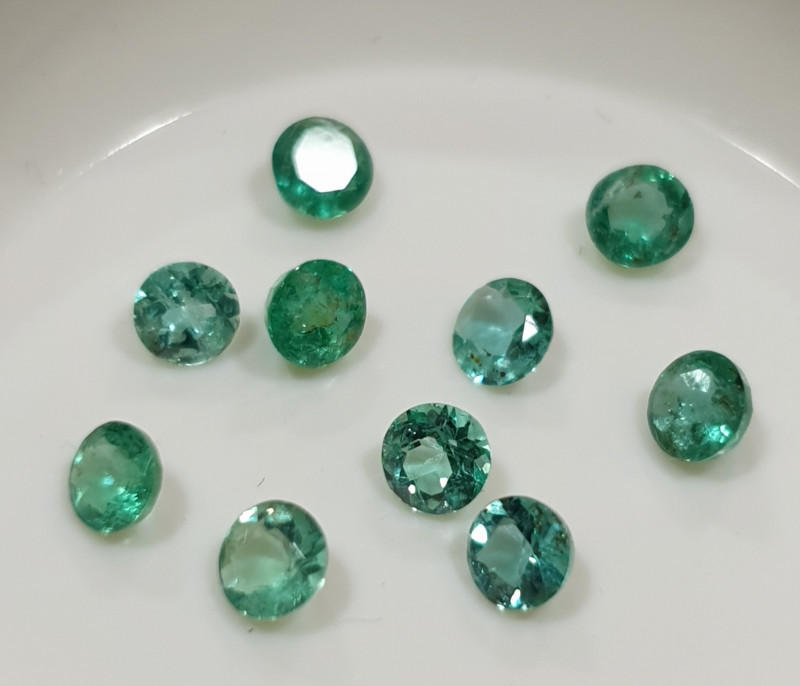 10 Pcs Lot Emerald Round 2.8-3mm(SKU185)