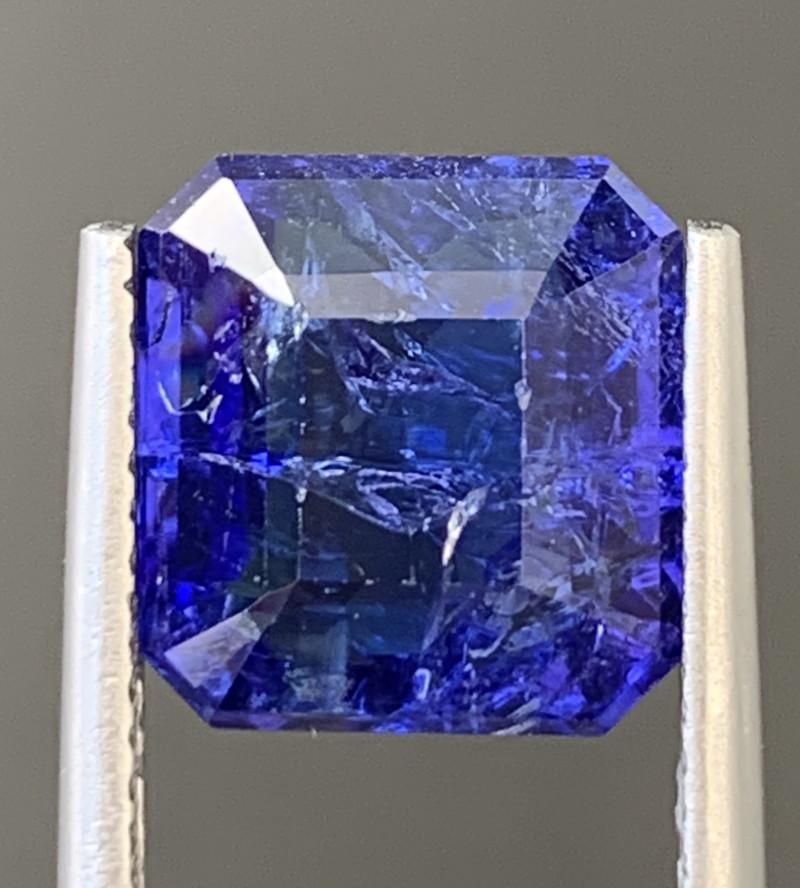 AAA  Color 5.95 Carats Tanzanite Gemstone