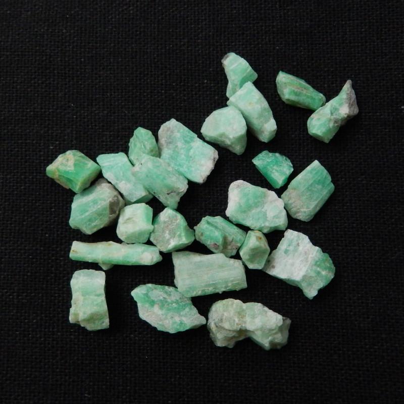 68cts Tiny Emerald May Birthstone Emerald Emerald Gemstone loose gemston F7
