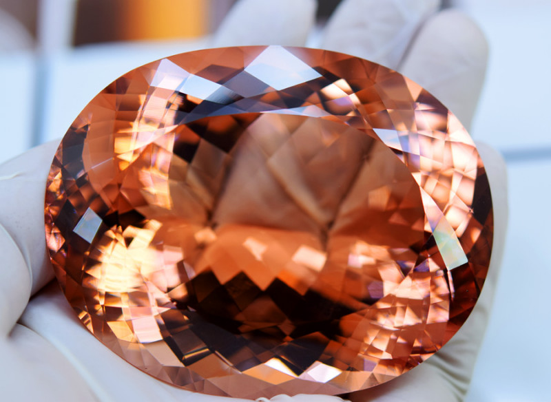 Morganite, 885 Carats Lovely Peach Pink Morganite Gemstone