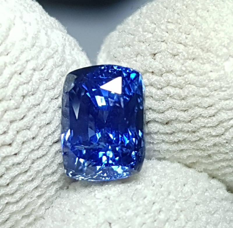 NO HEAT 2.07 CTS CERTIFIED NATURAL STUNNING ROYAL BLUE SAPPHIRE SRI LANKA