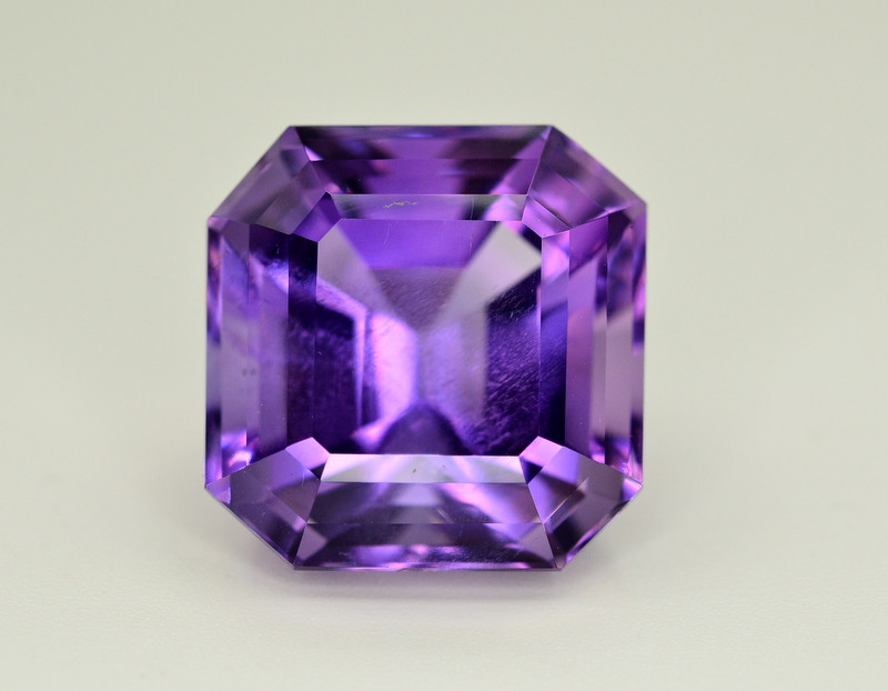 Amazing Color 23.10 Ct Natural Amethyst