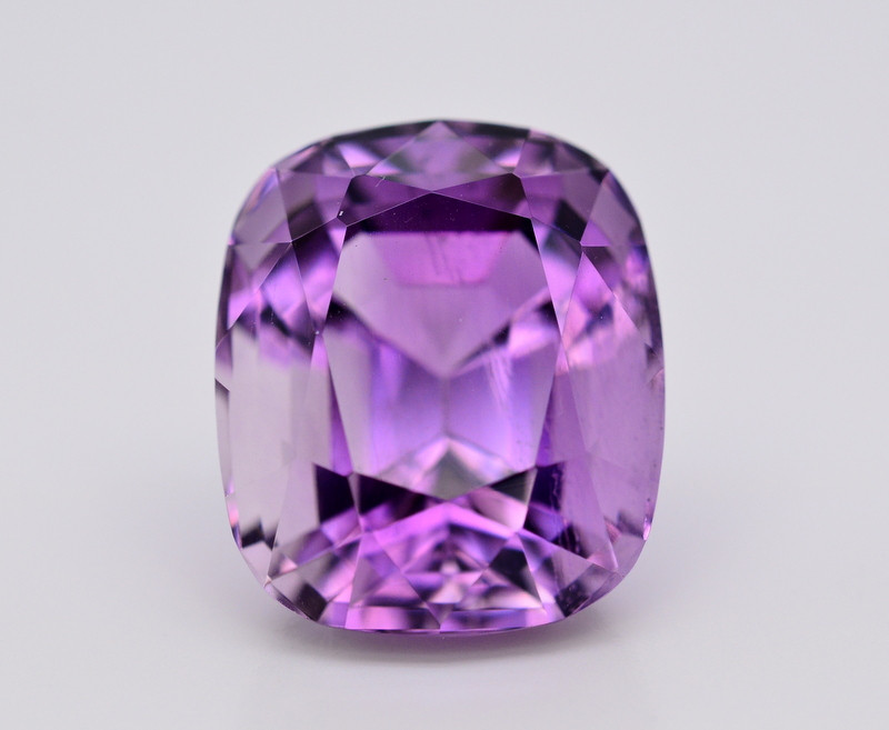 Amazing Color 23.50 Ct Natural Amethyst